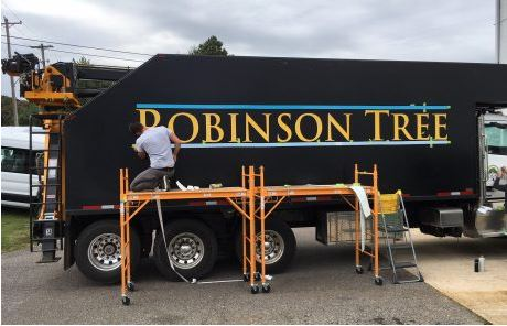 Robinson Tree Heavy Equipment Graphics