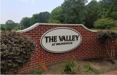 Valley Subdivision Pan Signs With Aluminum 3D Letters