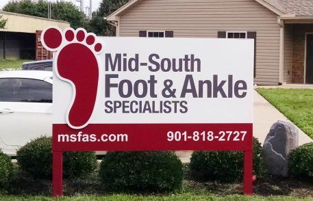 Mid South Foot & Ankle Post and Panel Sign with 3D Foot
