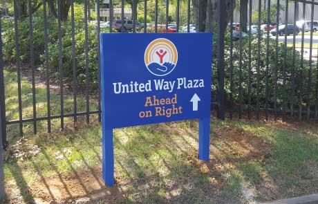 United-Way-Plaza-Wooden-Post-and-Dibond-Sign